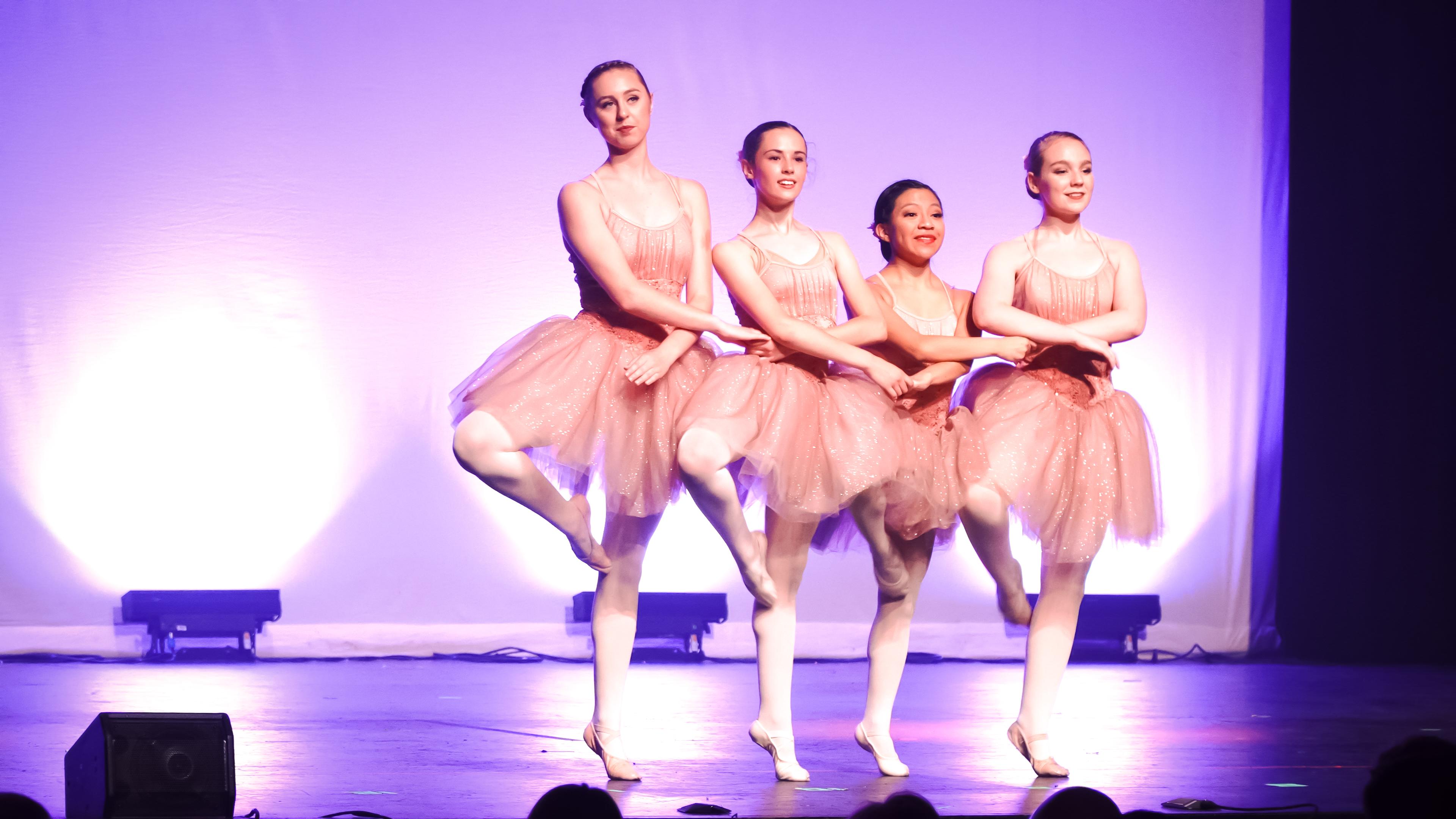 BalletDancers.JPG Ballet: